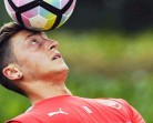 Oezil: Fans Madrid Masih Dukung Saya